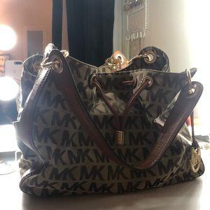 Classic Michael Kors Hobo Bag